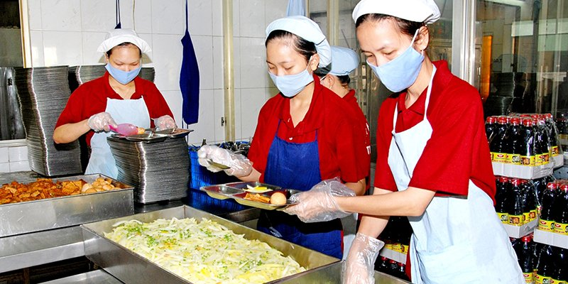 cung-cap-suat-an-cho-khu-cong-nghiep-tanvietfood68_com