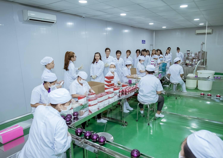 cung-cap-suat-an-cho-xuong-san-xuat-my-pham-tanvietfood68_com