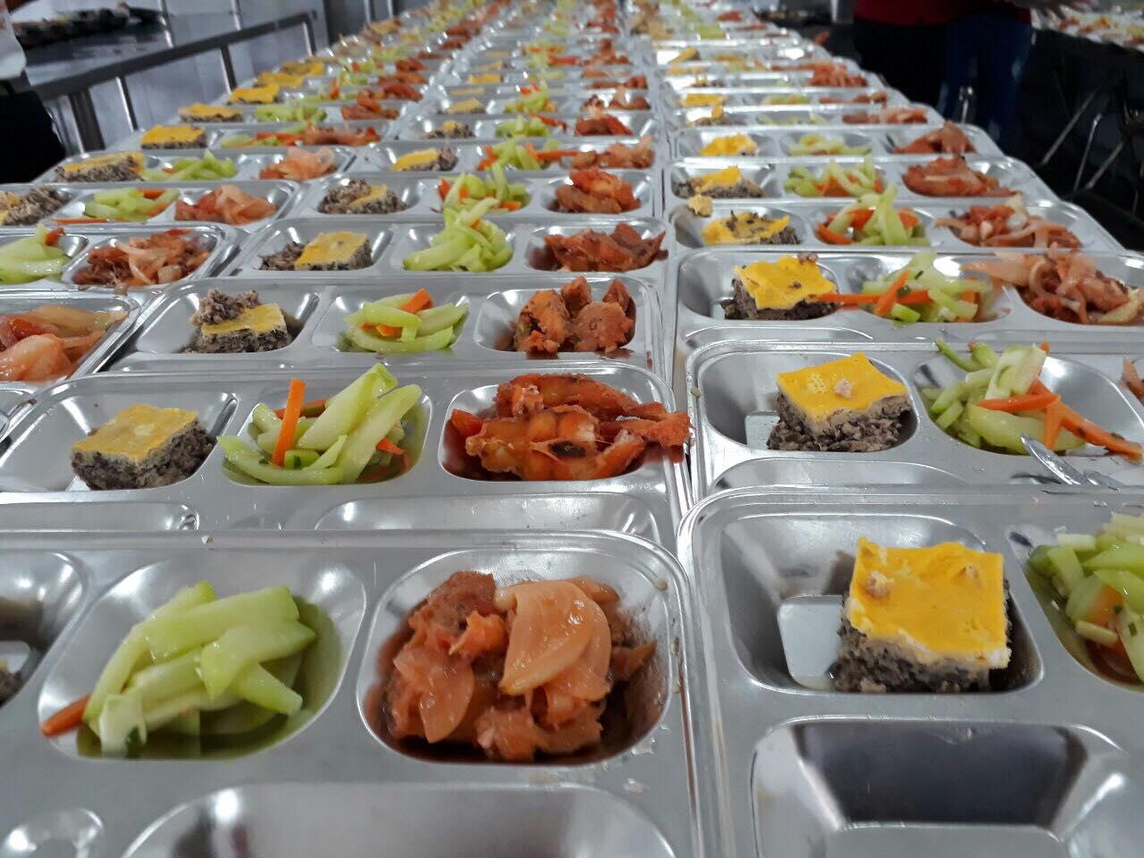 suat-an-cho-xuong-san-xuat-cua-sat-tanvietfood68_com