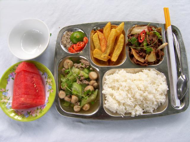 Cung Cấp Suất Ăn Cho Công Ty Sản Xuất Tủ Nhựa